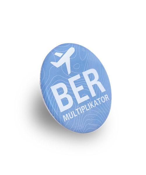 """Anstecknadeln, Pin """"BER"""", 5-farbig bedruckt im Offsetdruck - 3D"""